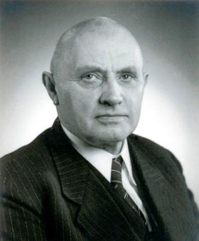 Dr. Bernhard Salzmann
